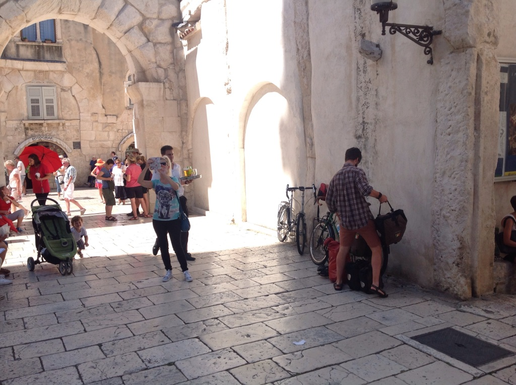Loading the bikes up leaving Split