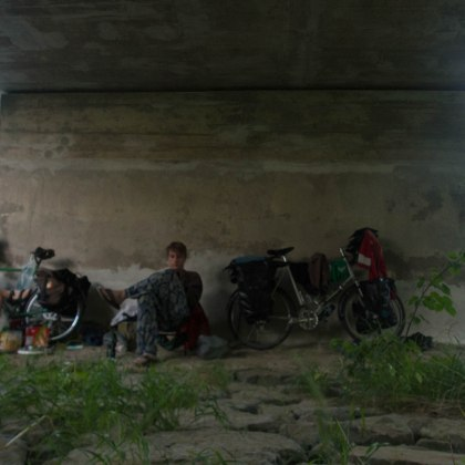 """ I've always wanted to camp under a bridge "" Hugo"