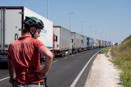 The huge line of lorries waiting at customs did not impress Hugo