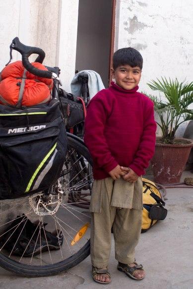 Amar Lashari's adorable son Mehrooz